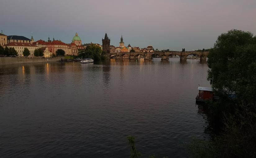PRAGUE, VILLE DOUCE ETDIVINE.