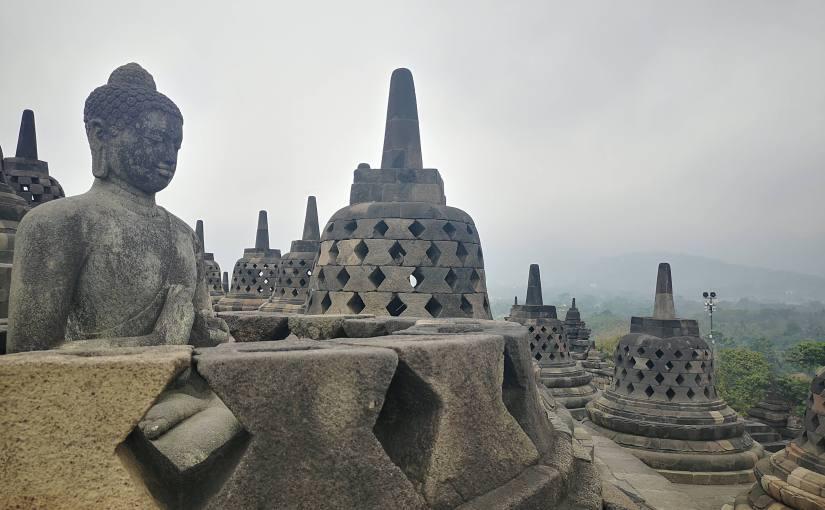 YOGYAKARTA, QUE L'AVENTURE INDONÉSIENNECOMMENCE.